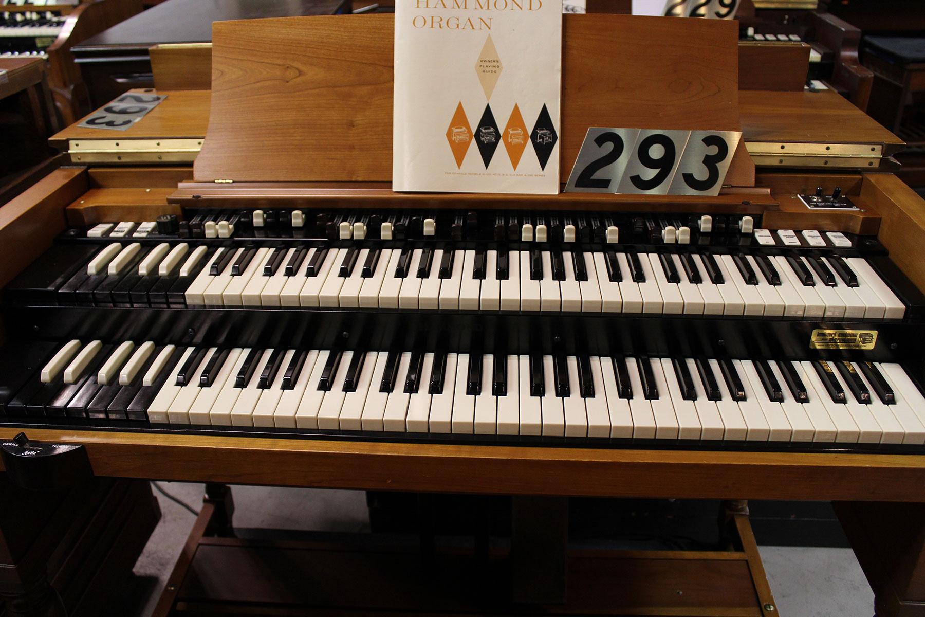 Keyboard Exchange International - Vintage Hammond and Leslie ...